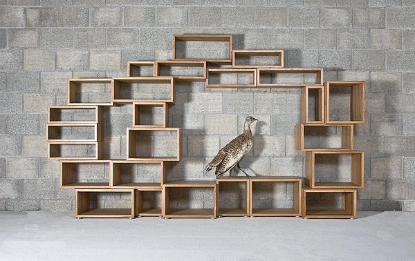 flexibles regal passt sich individuell jedem raum an. Black Bedroom Furniture Sets. Home Design Ideas