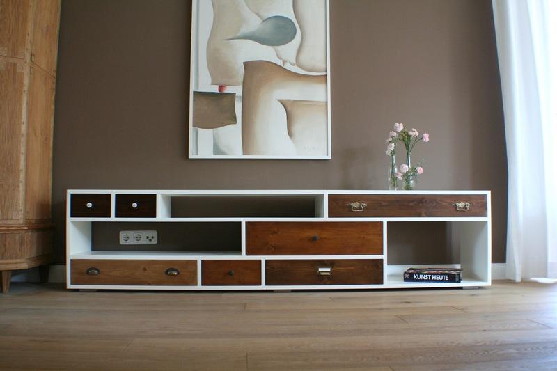 kartell m bel stehen f r design einrichtungsgegenst nde aus kunststoff. Black Bedroom Furniture Sets. Home Design Ideas