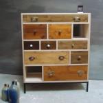 Schubladen-Möbel im Antikstil