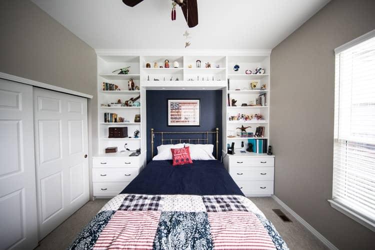 Deckenhohe Möbel vergrößern optisch den Raum