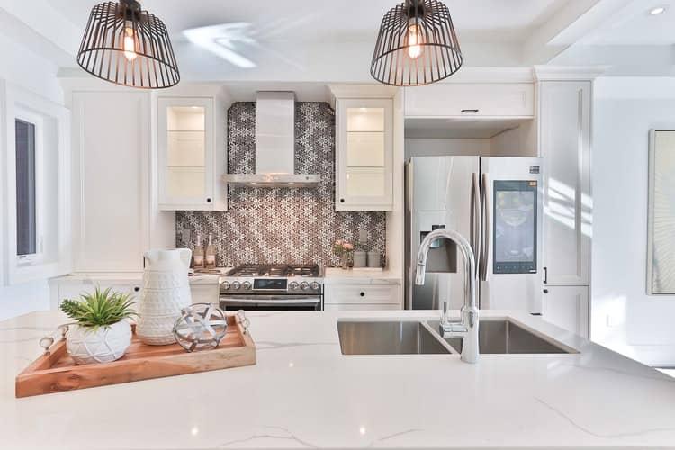 Hell und freundlich: eine weiße Küche