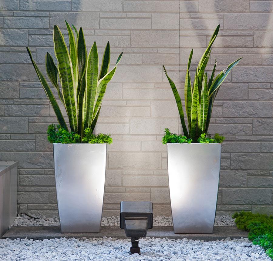 5 einsatzm glichkeiten f r pflanzk bel aus fiberglas kreativliste. Black Bedroom Furniture Sets. Home Design Ideas