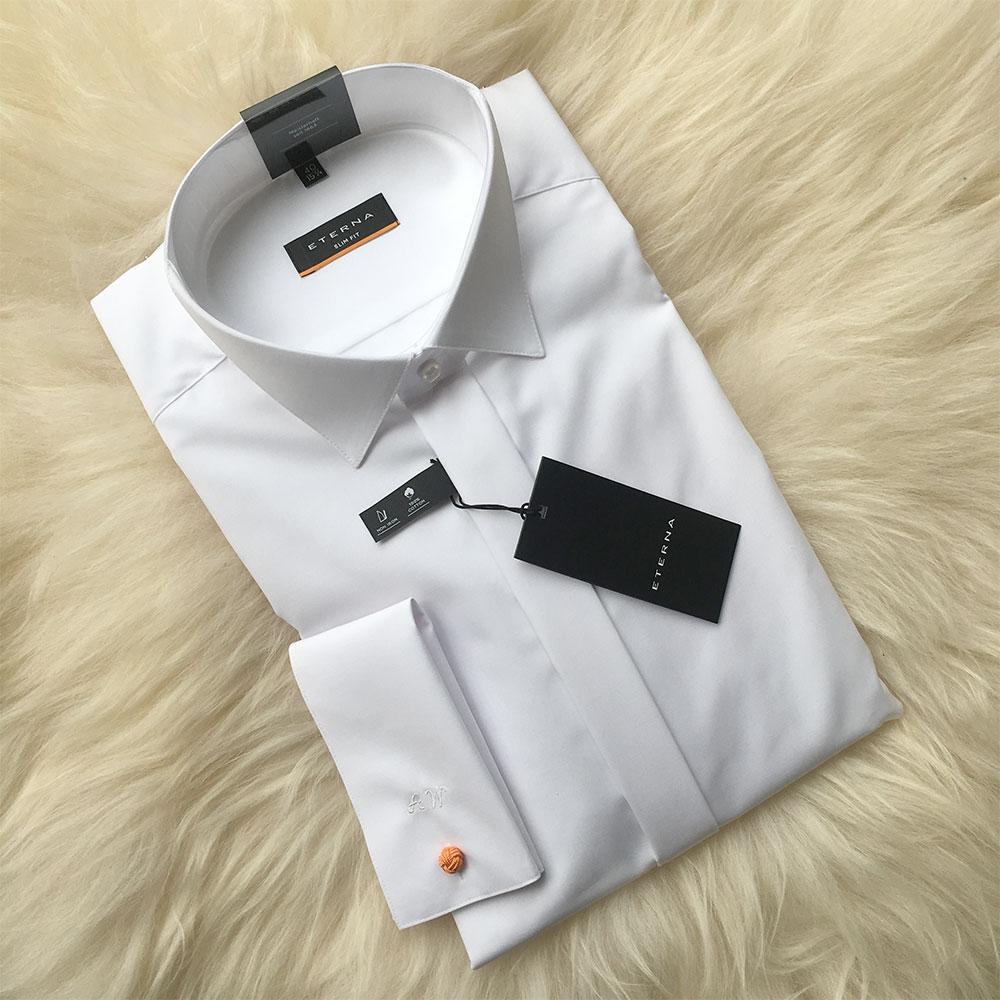 Hemd mit Monogramm als personalisierte Geschenkidee