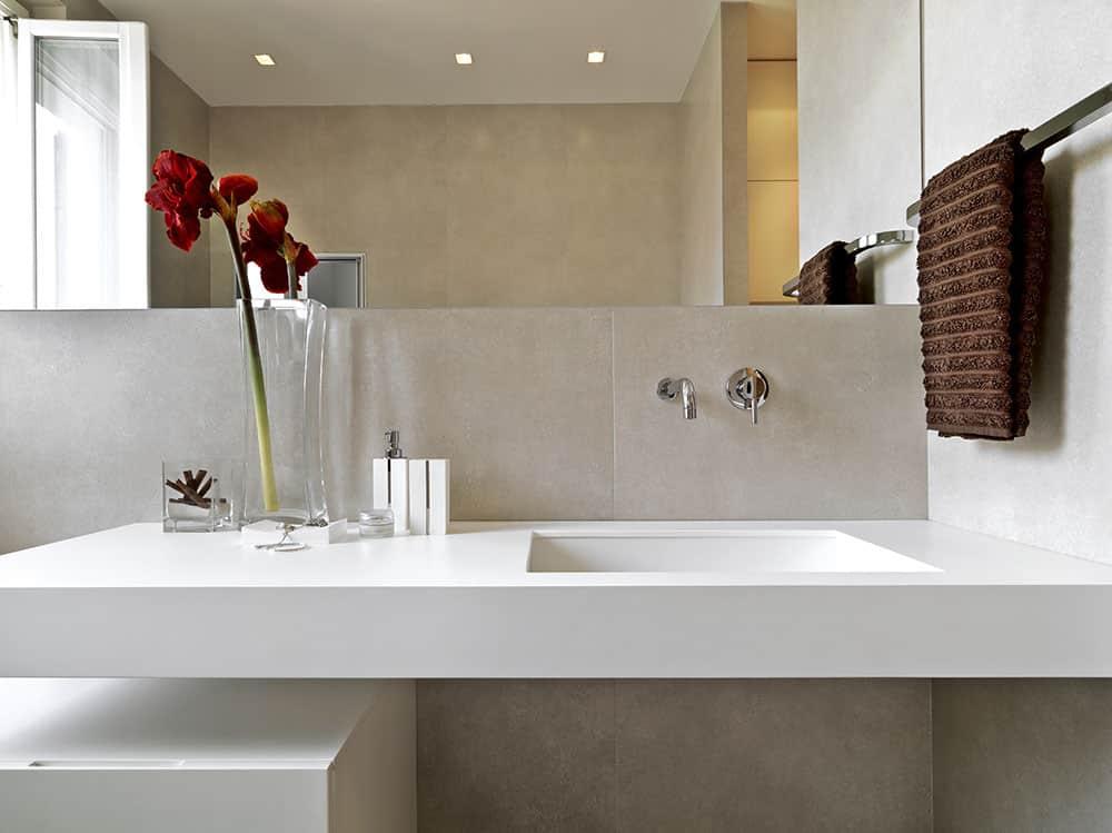 Wie wirkt ein kleines Badezimmer größer?