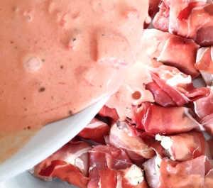 Hähnchen mit Feta und Tomatenpesto zubereiten