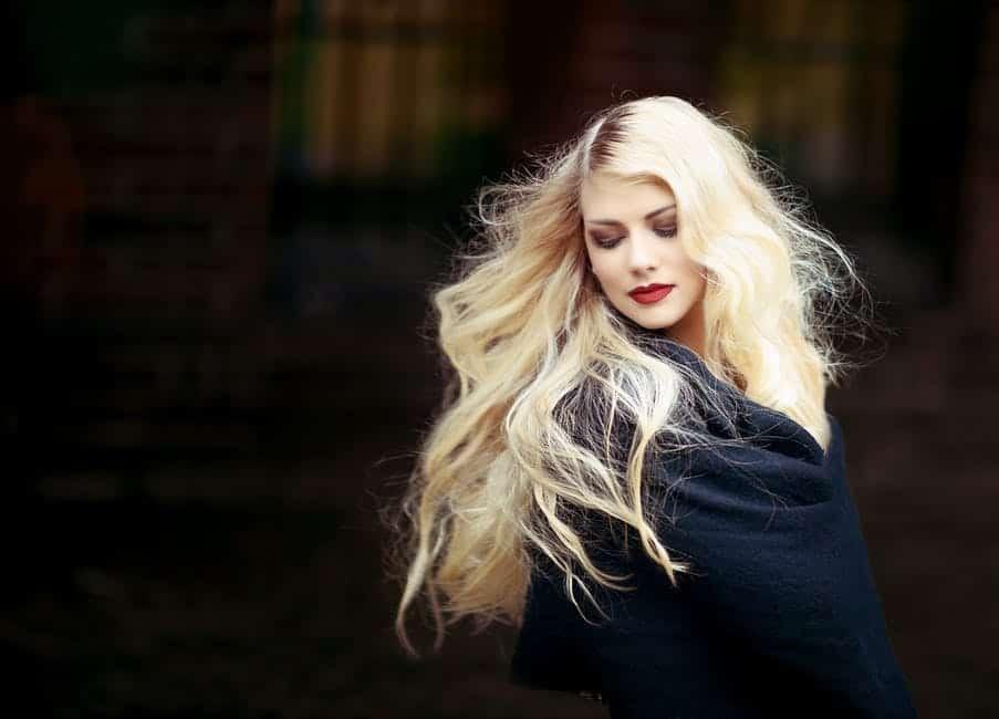 Lange Haare ermöglichen viele verschiedene Frisuren und Styles