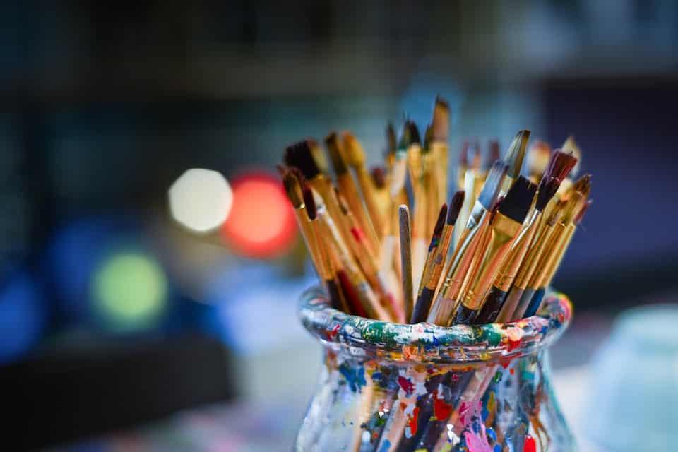 Kreative freuen sich über Materialien für ihr Hobby