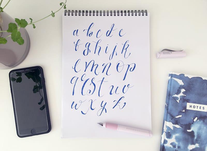 Beispiel für ein Handlettering-Alphabet von Kleinbuchstaben<