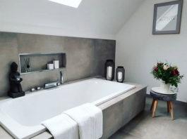 Betoneinfassung für die Badewanne