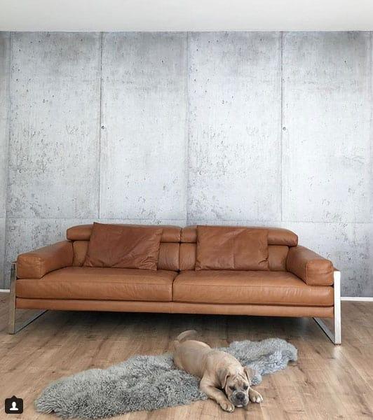 Als Tapete kann man Beton im Handumdrehen an die Wand bringen