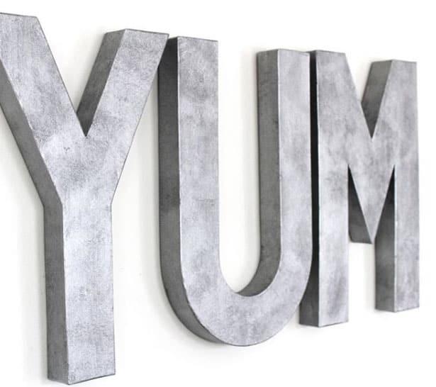 Dekorative Wand-Buchstaben für die Küche