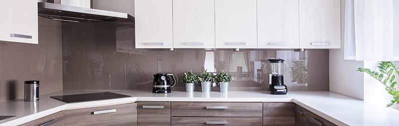 Acrylglas in der Küche als Rückwand