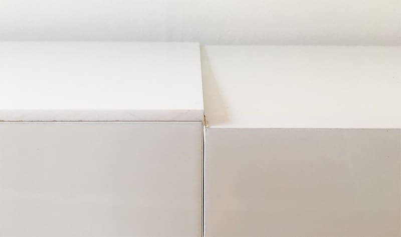 Acrylglasplatte links, Möbel ohne Auflage rechts