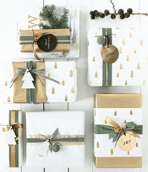 Verschiedene Geschenkpapiere und Schleifen machen einiges her
