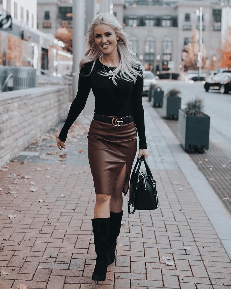 Röcke passen am besten zum Stiefel, wenn sie knielang oder kürzer sind