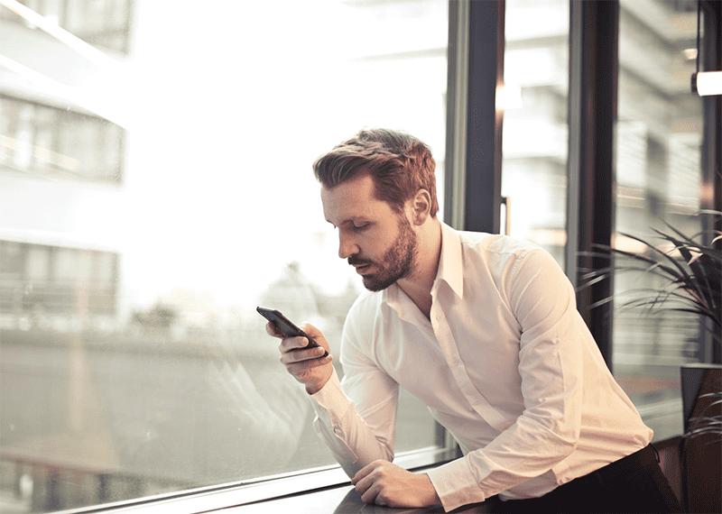 Aktiv bewegen am Arbeitsplatz, auch beim Telefonieren mal aufstehen