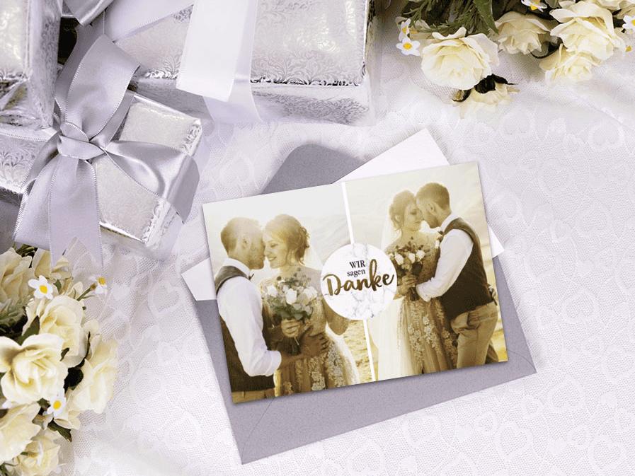 Über Dankeskarten freuen sich die Gäste nach der Hochzeit