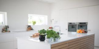 Die Veränderung von Schrankfronten kann die ganze Optik der Küche positiv beeinflussen