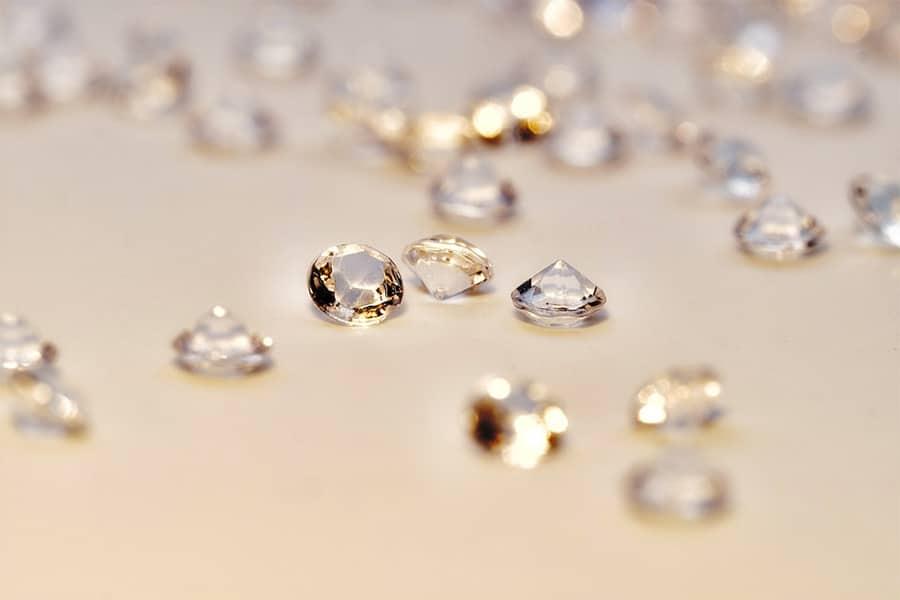 Die runde Form ist der ganz klassische Diamantschliff